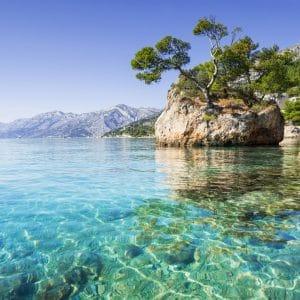 Azurblaues Meer und bizarre Felsenküste - Kroatiens Wellness-Hotspots an der Adria