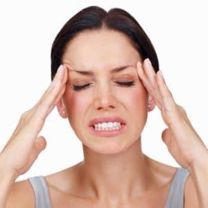 Migräne - neurologische Erkrankung mit pulsierenden periodischen Kopfschmerzattacken