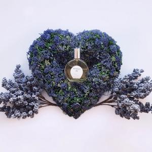 © Aimée de Mars Le Jardin d'Aimée Mythique Iris - ein sinnlich-aromatischer Blütenstrauß für sie