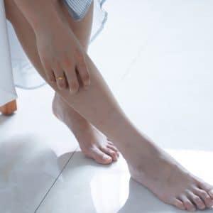 Pilzerreger befallen Haut und Schleimhaut mit einhergehender Randschuppung, Nagelverfärbung und unangenehmem Juckreiz