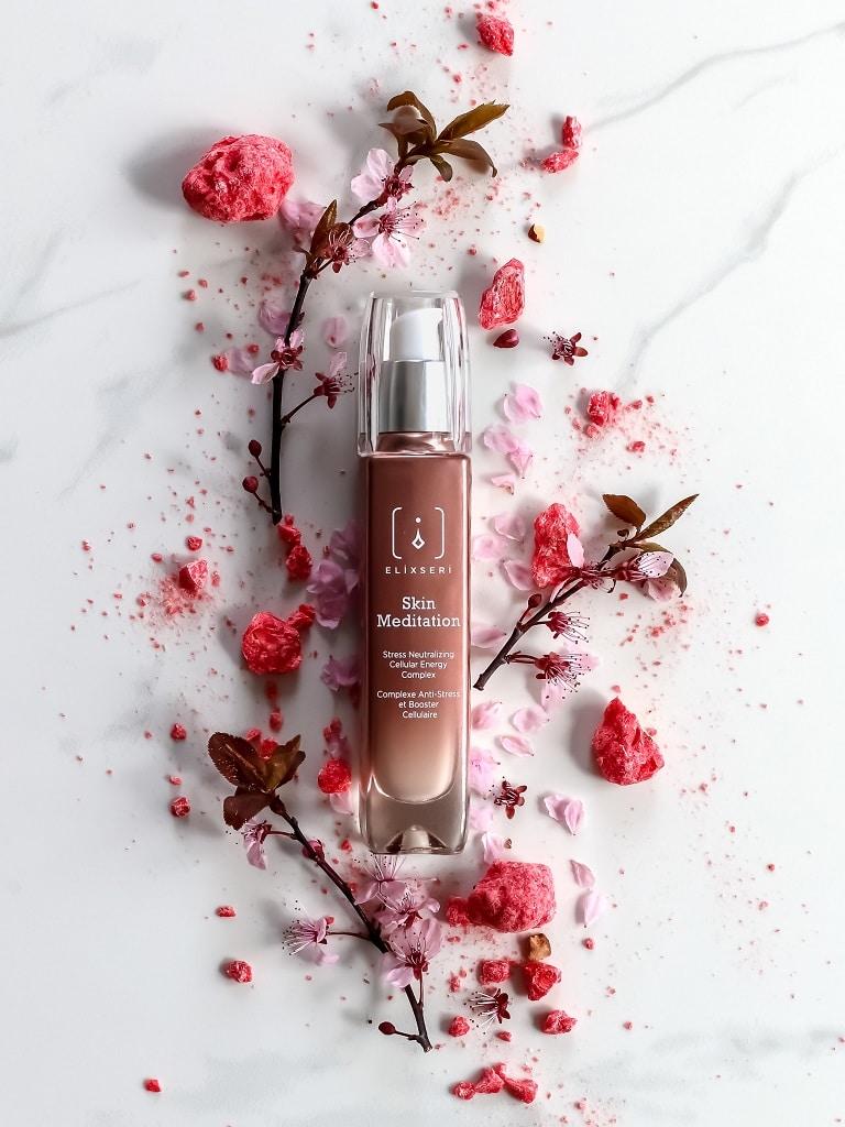 © ELIXSERI Pure Tech Beauty Skin Meditation mit Anti-Pollution-Effekt
