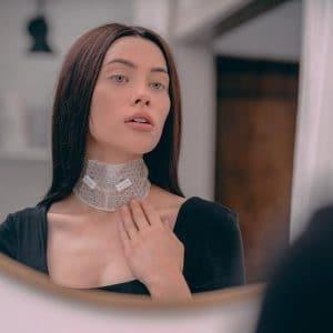 © FRANZ Skincare Neck Dual Mask System - Hals-Lifting-Kur mit Mikrostromimpulsen aus grüner Wasserenergie