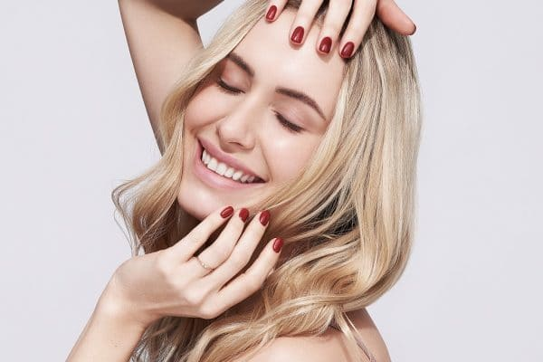© NEONAIL - polnische Nagellack-Expertise in Perfect Red