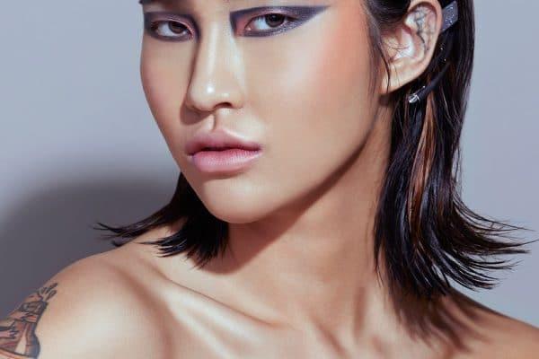 © KVD Beauty Eyeshadow Palette Planet Fanatic