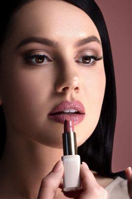 © MINT by Dr. Mintcheva - Lippen-Make-up mit zahnoptimierenden Farbpigmenten