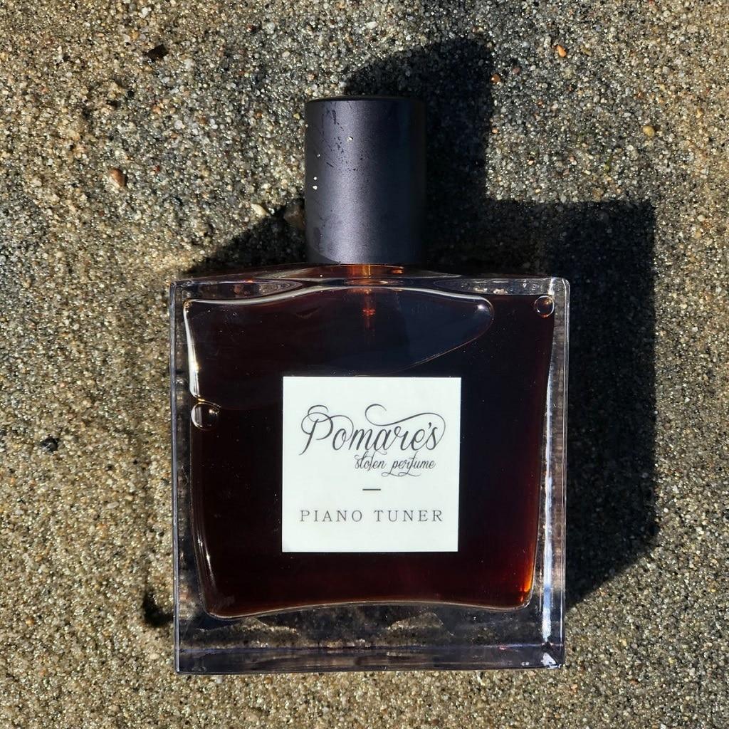 © Pomare's Stolen Perfume PIANO TUNER - rauchiger Hautschmeichler mit Scotch Whiskey, Cognac und Mammutbaumholz